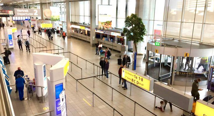 Pasahero ku ta yega Hulanda por tèst nan mes na aeropuerto