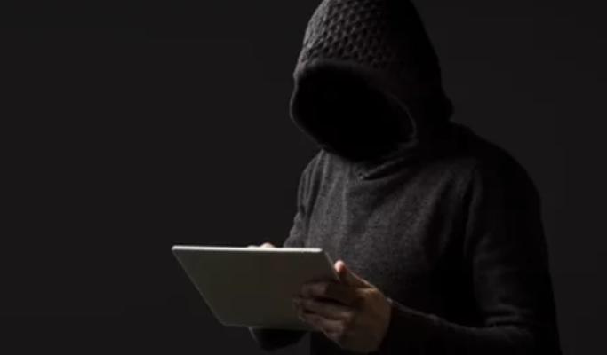 Polis ta alertá pa kriminalidat sibernétiko na Karibe Hulandes